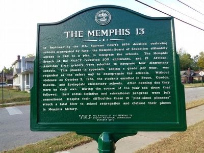 The Memphis 13/Rozelle Elementary School Marker image. Click for full size.