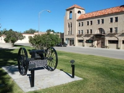 The other Civil War Cannon located in front of the Parco Inn image. Click for full size.