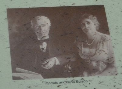 Thomas and Mina Edison image. Click for full size.