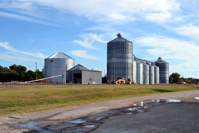 Holland Grain Silos image. Click for full size.