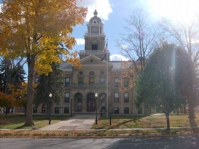 Gratiot County Courthouse and Marker image. Click for full size.