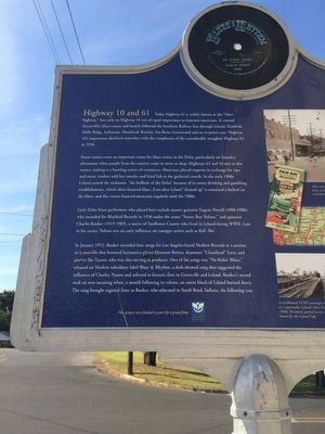 Corner 10 & 61 Marker (left side of rear) image. Click for full size.