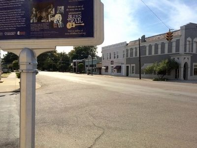 View south on Broad Street. image. Click for full size.