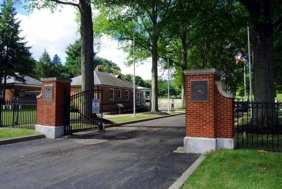 Woodlawn National Cemetery<br>Davis Street Entrance and Supervisor&#39;s Lodge image. Click for full size.