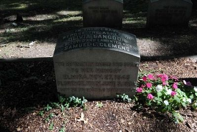 Olivia Langdon Tombstone image. Click for full size.