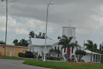 Everglades Community Church image. Click for full size.