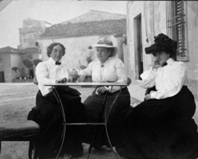 Claribel Cone, Gertrude Stein and Etta Cone 1903 image. Click for full size.