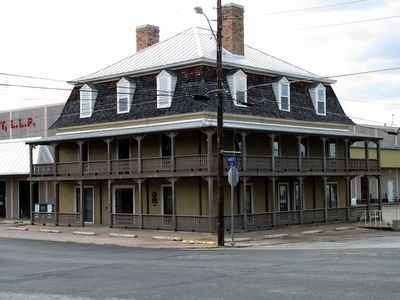 Old Southern Hotel Building with Marker image. Click for full size.