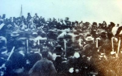 The Gettysburg Address Marker<br>Photo of Lincoln image. Click for full size.