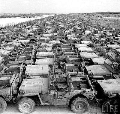 Jeep graveyard image. Click for full size.