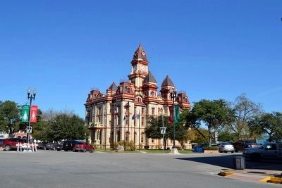 Caldwell County Courthouse image. Click for full size.