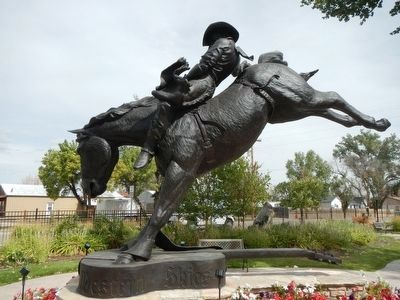 """Good Ride Cowboy"" Statue image. Click for full size."