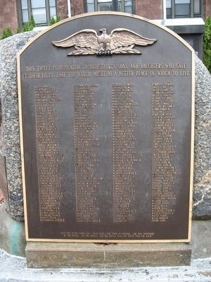 Bridgeport Veterans Memorial image. Click for full size.