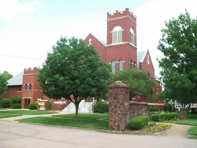 Messiah Lutheran Church, Lindsborg KS image. Click for full size.
