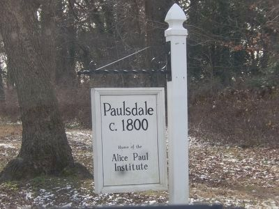 Paulsdale-Sign at entrance image. Click for full size.