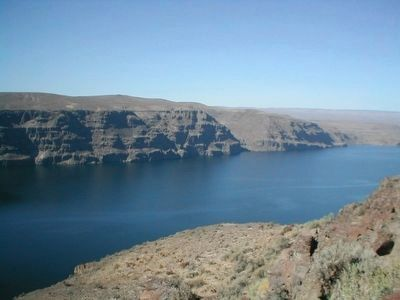 View of the Columbia River from the Rest Stop image. Click for full size.