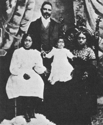 Captain William Thomas Shorey and Family image. Click for full size.