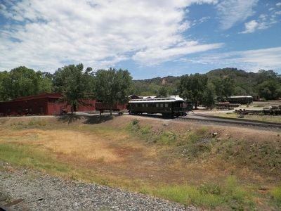 Sierra Railway Roundhouse and Rolling Stock image. Click for full size.