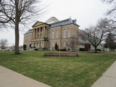 Niagara County Courthouse & Marker image. Click for full size.