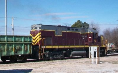 Shortline Locomotive and Train image. Click for full size.