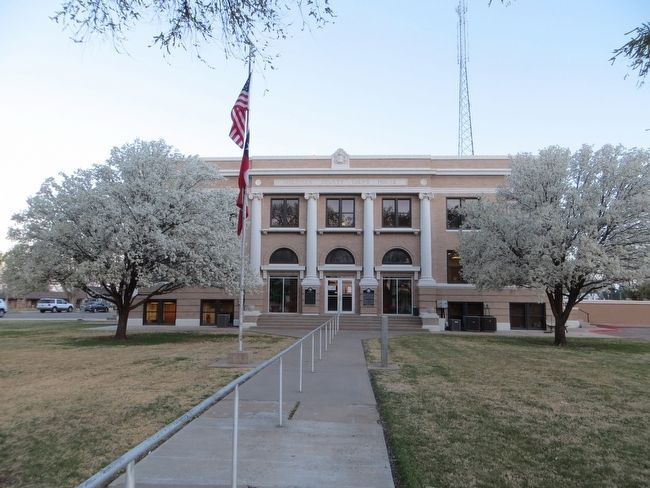 Sherman County Courthouse image. Click for full size.