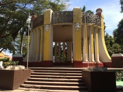 Managua Central Park bandstand. image. Click for full size.