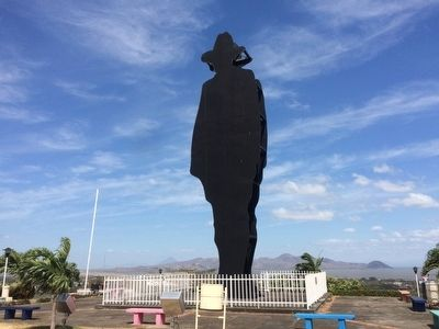 Iconic statue of General Augusto C. Sandino at Lomas de Tiscapa image. Click for full size.