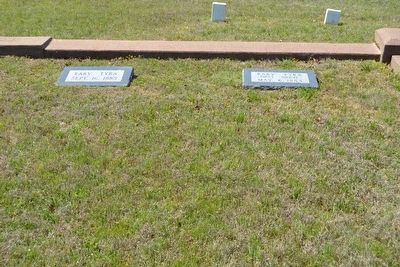 Headstones and Grave of Baby Tyra image. Click for full size.