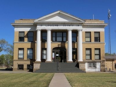 Lipscomb County Courthouse image. Click for full size.