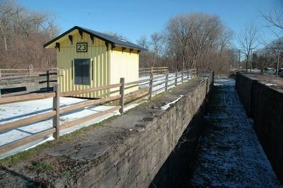 Enlarged Lock 23 with Lock Tender's Hut image. Click for full size.