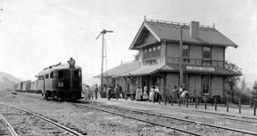 Southern Pacific Railroad Depot image. Click for full size.