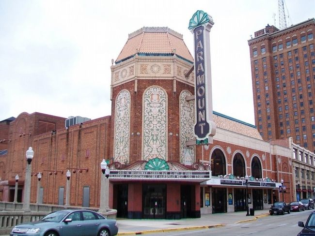 Paramount Theatre image. Click for full size.