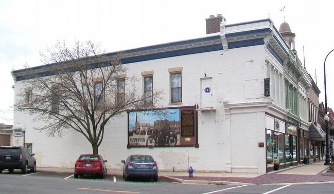 Masonic Building and Marker image. Click for full size.