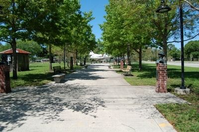 Veterans Memorial walkway in Kenner image. Click for full size.