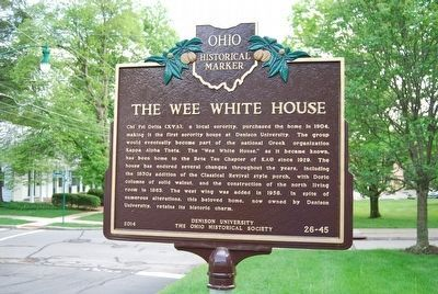 The Wee White House Marker image. Click for full size.
