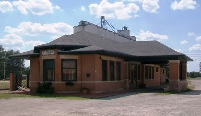 The Santa Fe Depot and Marker image. Click for full size.