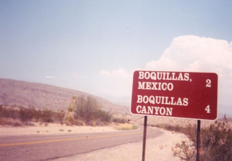 Boquillas Mexico road sign image. Click for full size.