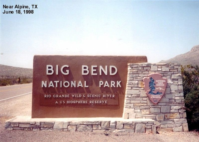 Sign at the entrance to Big Bend National Park image. Click for full size.