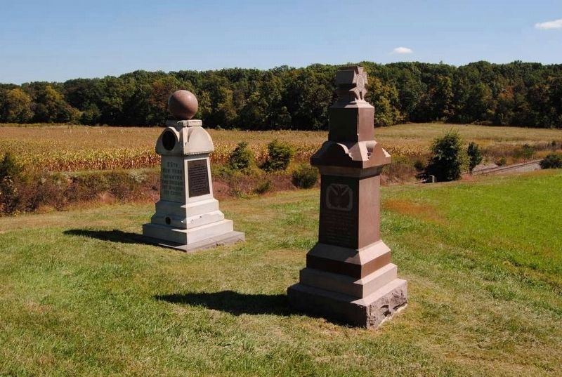 95th New York Infantry Monument (Left)<br>Railroad Cut in Background Photo, Click for full size