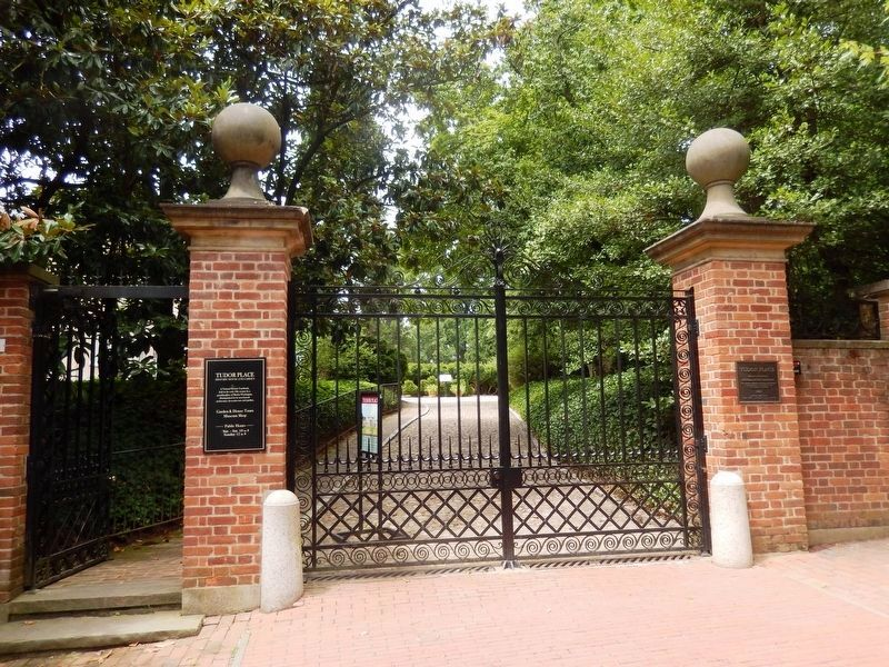 Tudor Place-entrance gate image. Click for full size.