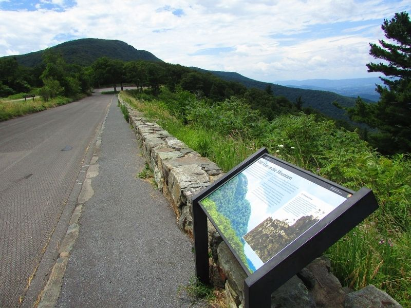 Marker at the Stony Man Overlook image. Click for full size.