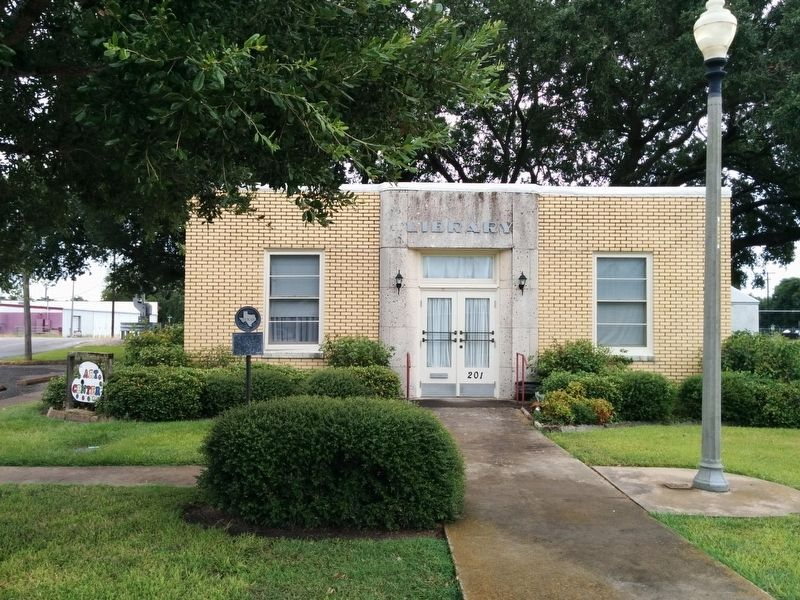 El Campo Library Building and Marker image. Click for full size.