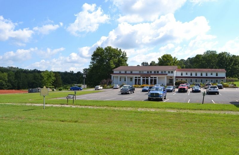 Diamond Caverns Entrance Building image. Click for full size.