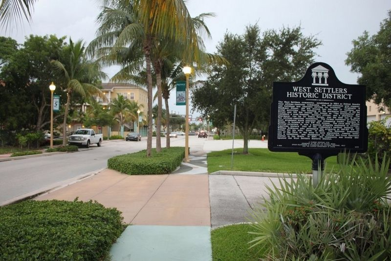West Settlers Historic District Marker looking south on NW 5th Ave. image. Click for full size.