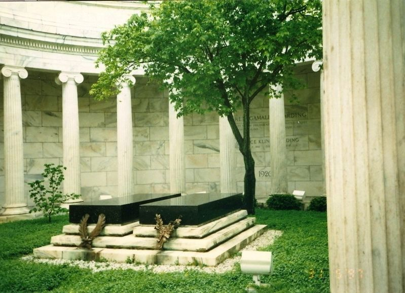 Warren G. Harding and wife Grave Markers in Memorial Park image. Click for full size.
