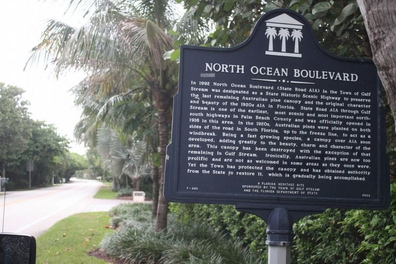 North Ocean Boulevard Marker with FL A1A in background image. Click for full size.
