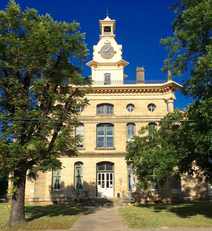 Red River Courthouse image. Click for full size.