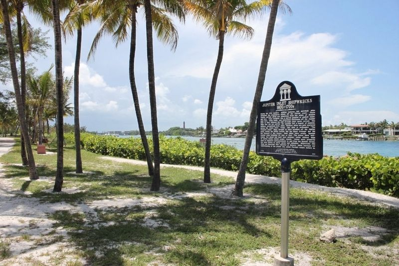 Jupiter Inlet Shipwrecks 1600-1700s Marker with lighthouse in background image. Click for full size.
