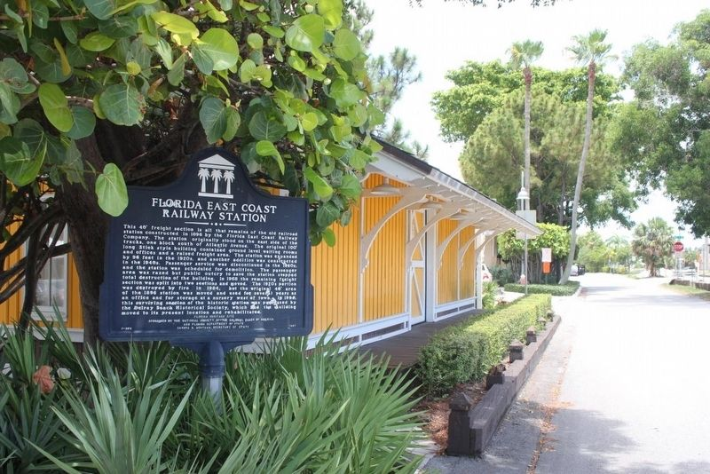 Florida East Coast Railway Station Marker looking north on Railroad Ave. image. Click for full size.