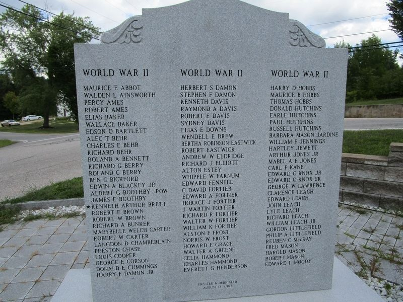 Left stone - WWII names. image. Click for full size.
